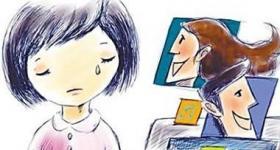 """教育专家:家长陪孩子时玩手机是""""冷暴力"""""""